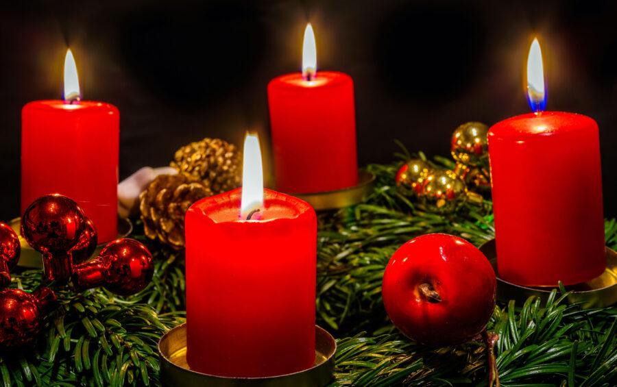 La Corona con le quattro candele da accendere nelle domeniche d'Avvento