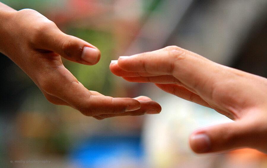 Mani, Fiducia, Amore, Aiuto, Solidarietà, Carità, Bisogno, Accoglienza.