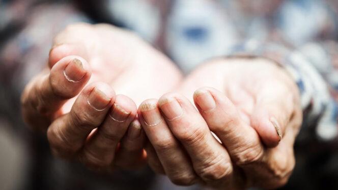 Mons. Perego: la scelta preferenziale dei poveri