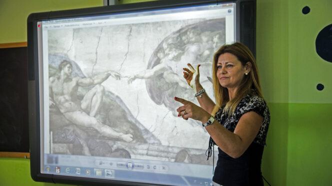 Carchitti ( Roma ), 30 maggio 2017. L'Insegnamento della Religione Cattolica ( IRC ) in una scuola media.