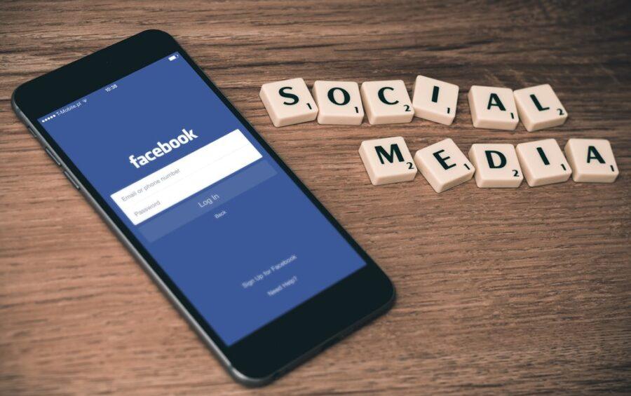 """Emergenza educativa sui social"": incontro online"