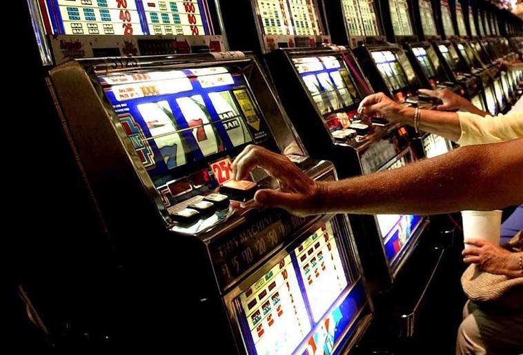 Caritas: quasi 250 milioni di euro spesi in azzardo nel Lazio sud
