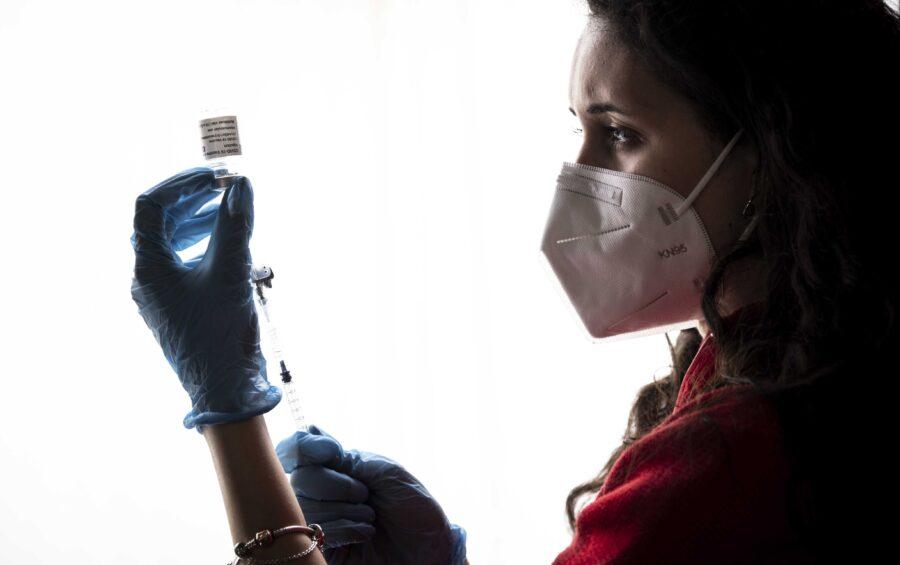 Roma, 15 marzo 2021. Programma di Vaccinazione per la pandemia Covid-19/Coronavirus con il vaccino Astrazeneca presso il centro della Stazione Termini