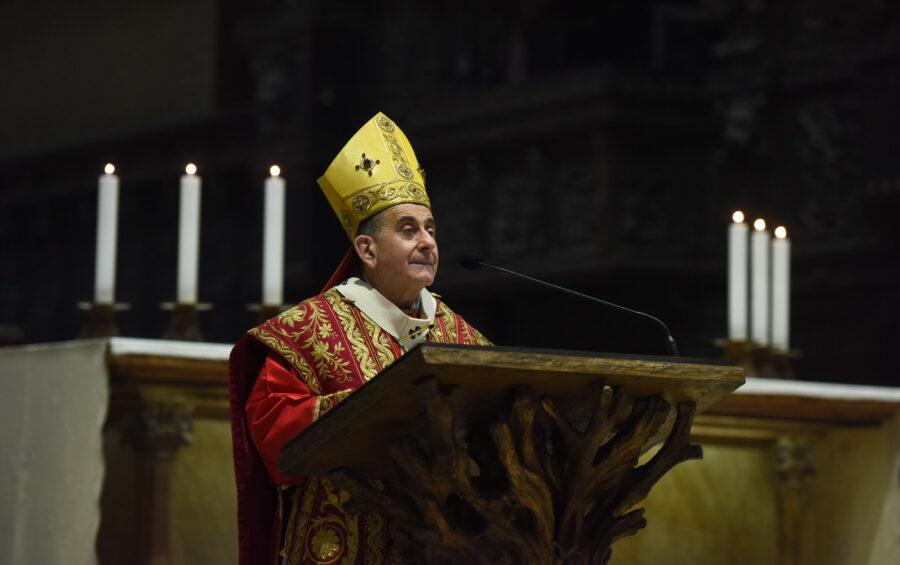 """Messa in Coena Domini. Mons. Delpini: """"Siamo spossati ma Gesù continua ad amarci"""""""