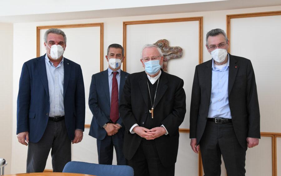 Roma, 10 maggio 2021: il card. Gualtiero Bassetti, presidente della Cei, riceve i rappresentnati dei sindacati Cgil, Cisl e Uil - foto Marco Calvarese